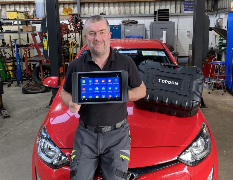 Anthony Manning, Mannings Garage, chose a Topdon Phoenix Pro diagnostic system supplied by Grafton Diagnostics