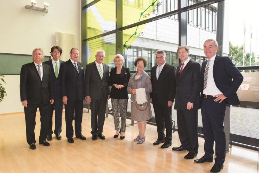 Exhibition opening ceremony marking the 50th anniversary celebrations of Schaeffler's LuK brand in Bühl: (from left to right) Prof. Dr. Peter Gutzmer, CTO of Schaeffler AG; Klaus Rosenfeld, CEO of Schaeffler AG; Jürgen R. Thumann; Winfried Kretschmann, Ba