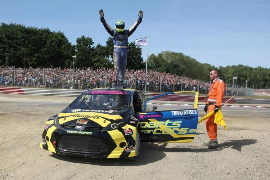 Tohill Reunited With Title Winning Touringcar At Autosport